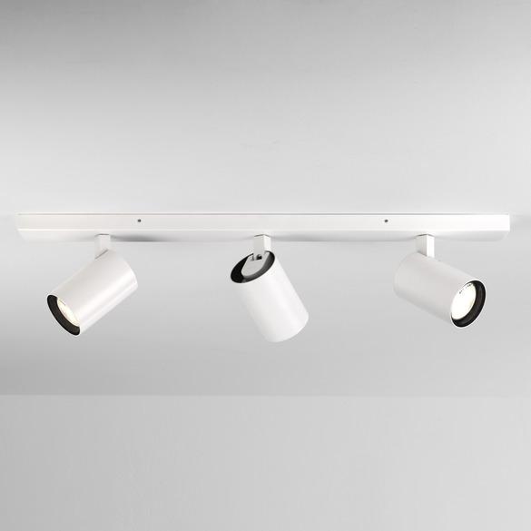 White Bathroom Triple Spotlight - Flow